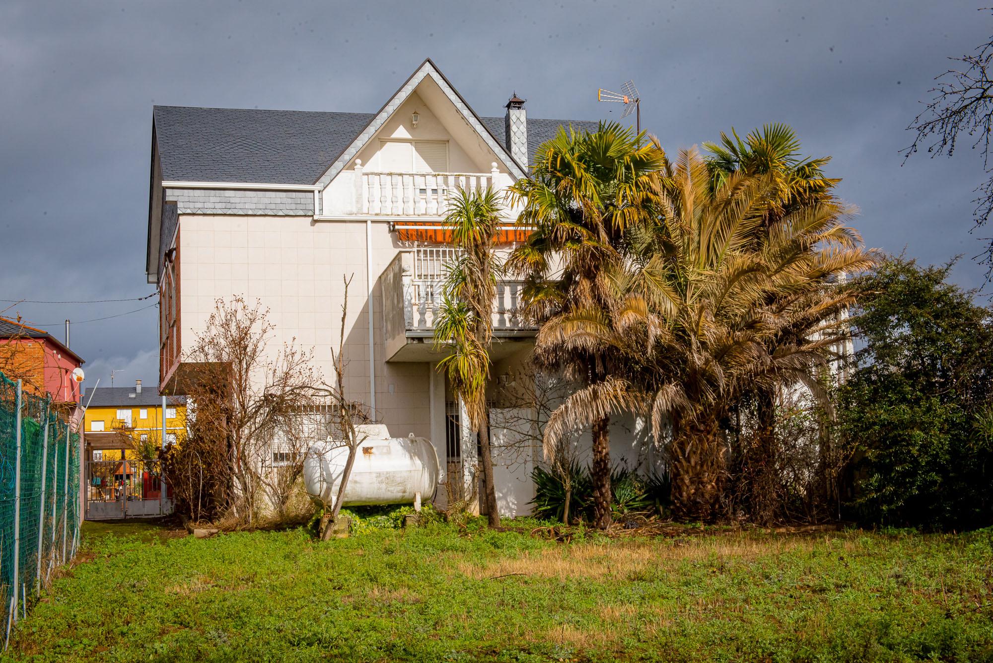 Casa en Cuatrovientos independiente con terreno