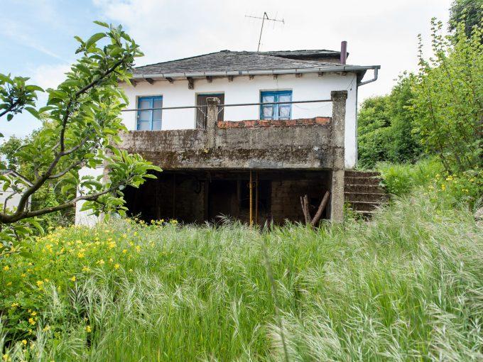 Casa con terreno en Viariz